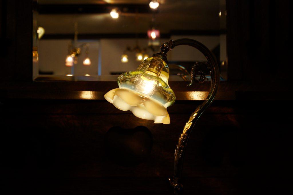 ヴァセリンガラス アンティーク ヴァセリンガラス・ランプシェード – 58032|ヴァセリンランプ 西洋・アンティーク家具の専門店「家具のこばやし」- 福島県福島市アンナガーデン