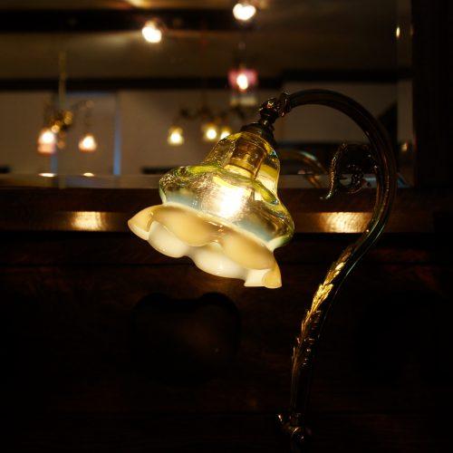 ヴァセリンガラス アンティーク ヴァセリンガラス・ランプシェード – 58032|西洋・アンティーク家具の専門店「家具のこばやし」ヴァセリンガラス・ランプシェード- 福島県福島市アンナガーデン