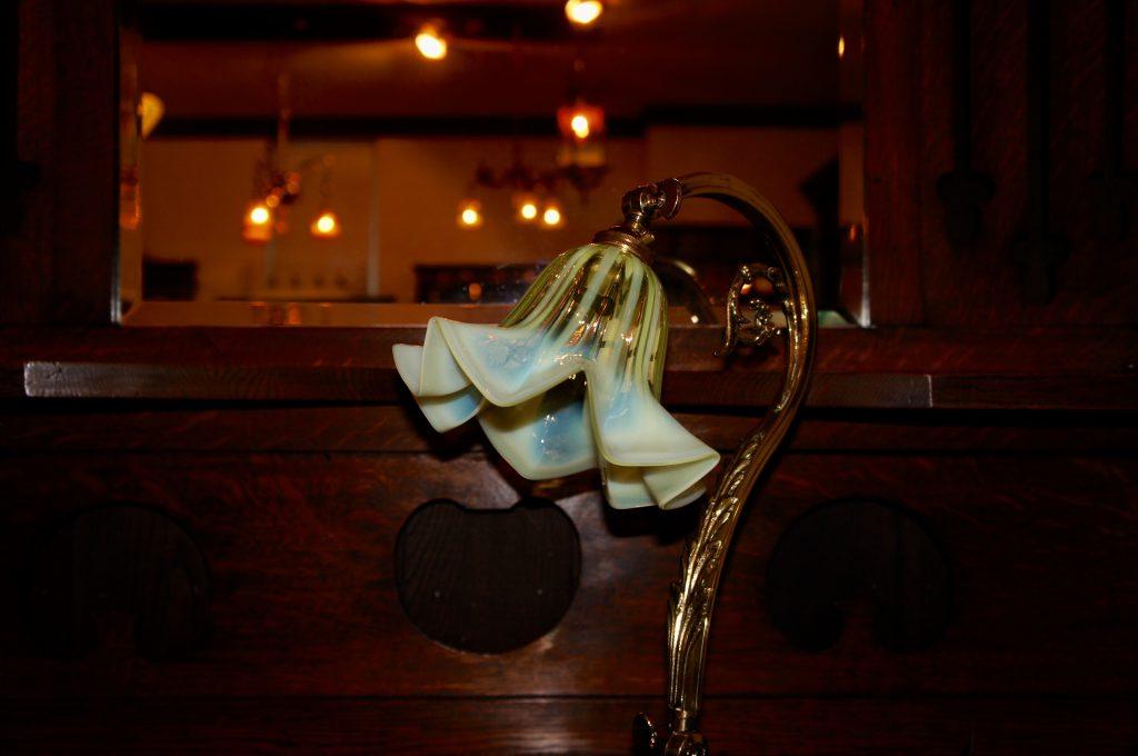ヴァセリンガラス アンティーク ヴァセリンガラス・ランプシェード – 57036 (SOLD)|ヴァセリンランプ 西洋・アンティーク家具の専門店「家具のこばやし」- 福島県福島市アンナガーデン
