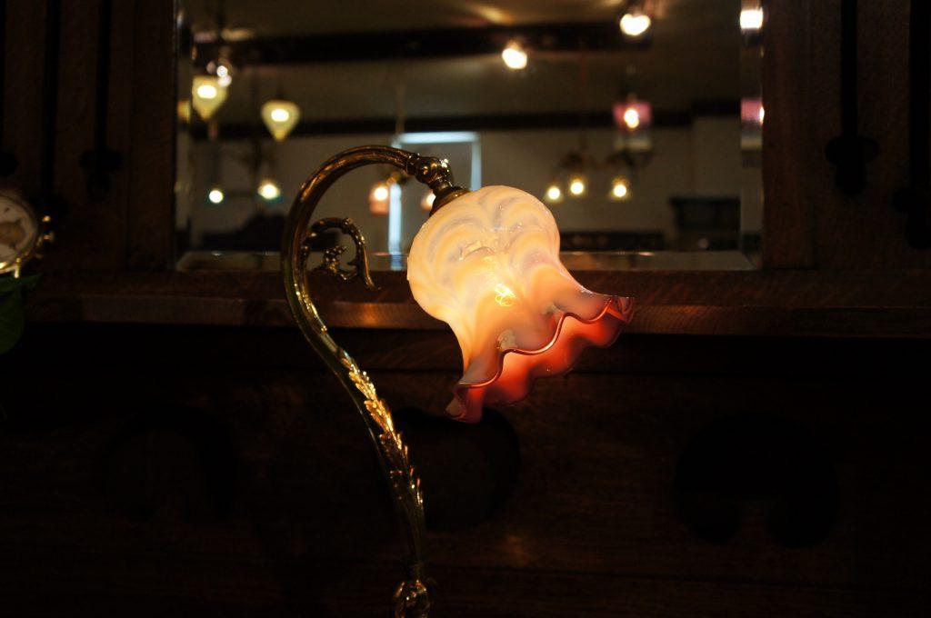 ヴァセリンガラス アンティーク ヴァセリンガラス・ランプシェード – 61019 (SOLD)|ヴァセリンランプ 西洋・アンティーク家具の専門店「家具のこばやし」- 福島県福島市アンナガーデン