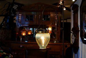 ヴァセリンガラス アンティーク ヴァセリンガラス・フロアランプ- 60006|ヴァセリンランプ 西洋・アンティーク家具の専門店「家具のこばやし」- 福島県福島市アンナガーデン
