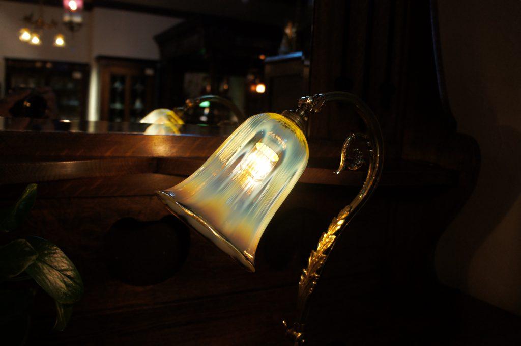 ヴァセリンガラス アンティーク ヴァセリンガラス・ランプシェード – 61005 (SOLD)|ヴァセリンランプ 西洋・アンティーク家具の専門店「家具のこばやし」- 福島県福島市アンナガーデン