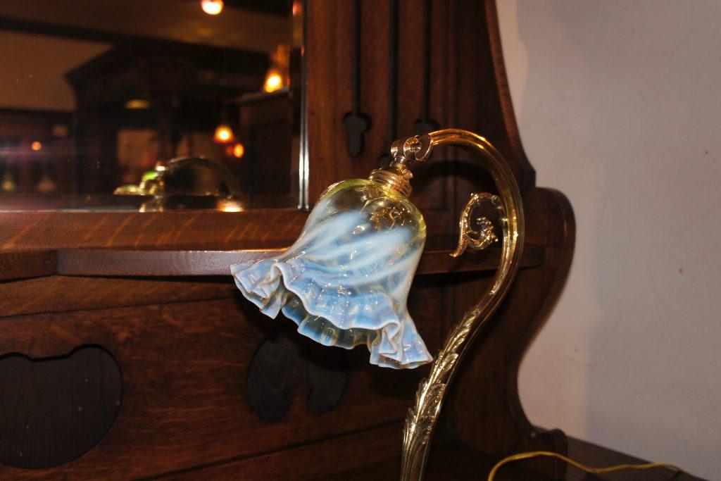 ヴァセリンガラス アンティーク ヴァセリンガラス・ランプシェード – 60014 (SOLD)|ヴァセリンランプ 西洋・アンティーク家具の専門店「家具のこばやし」- 福島県福島市アンナガーデン