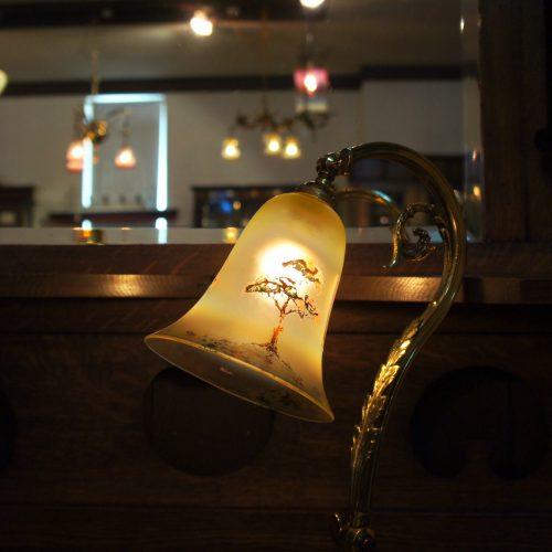 ヴァセリンガラス アンティーク ヴァセリンガラス・ランプシェード – 60055|西洋・アンティーク家具の専門店「家具のこばやし」ヴァセリンガラス・ランプシェード- 福島県福島市アンナガーデン