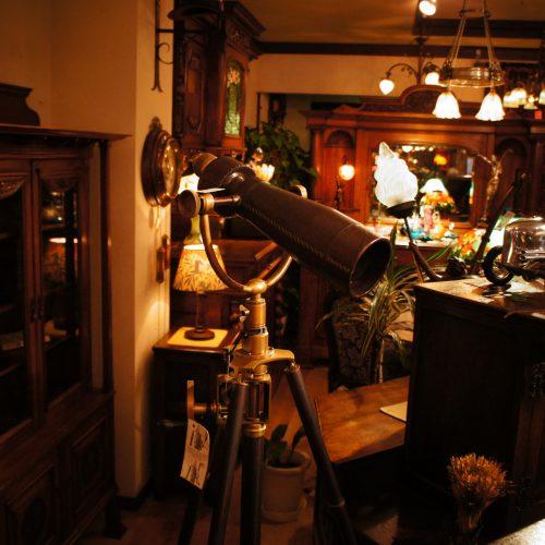 西欧輸入家具・小物 望遠鏡(アンティーク仕上げ) (SOLD)|ヴァセリンランプ 西洋・アンティーク家具の専門店「家具のこばやし」- 福島県福島市アンナガーデン