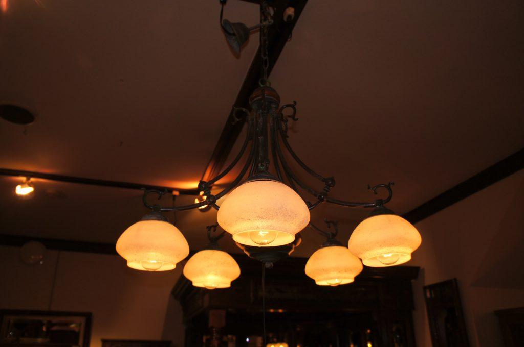 西欧輸入家具・小物 5灯シーリングランプ|ヴァセリンランプ 西洋・アンティーク家具の専門店「家具のこばやし」- 福島県福島市アンナガーデン