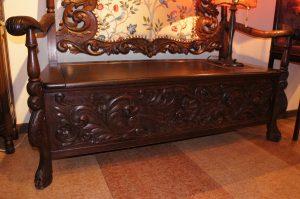 アンティーク家具 彫刻ベンチ – 56017|ヴァセリンランプ 西洋・アンティーク家具の専門店「家具のこばやし」- 福島県福島市アンナガーデン