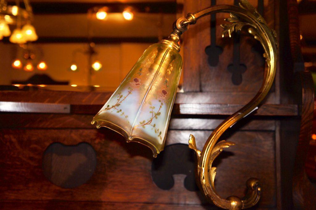 ヴァセリンガラス アンティーク ヴァセリンガラス・ランプシェード – 63132|ヴァセリンランプ 西洋・アンティーク家具の専門店「家具のこばやし」- 福島県福島市アンナガーデン
