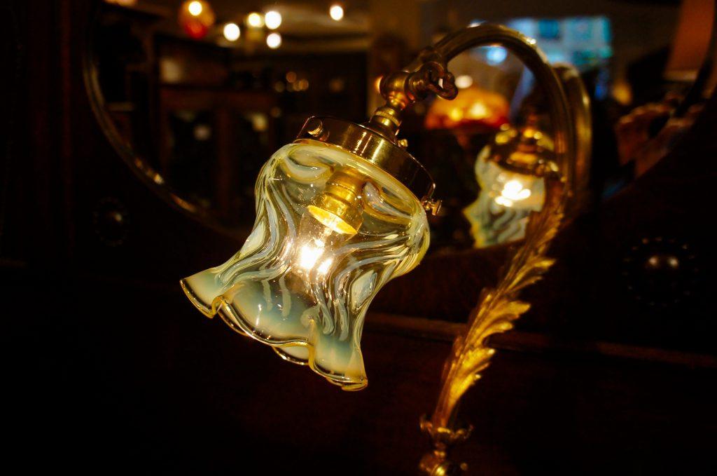 ヴァセリンガラス (NEW) アンティーク ヴァセリンガラス・ランプシェード – 64147|ヴァセリンランプ 西洋・アンティーク家具の専門店「家具のこばやし」- 福島県福島市アンナガーデン