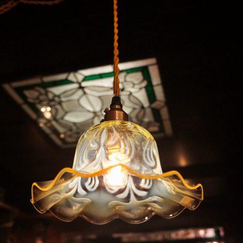 ヴァセリンガラス (NEW) アンティーク ヴァセリンガラス・ランプシェード – 64174|ヴァセリンランプ 西洋・アンティーク家具の専門店「家具のこばやし」- 福島県福島市アンナガーデン