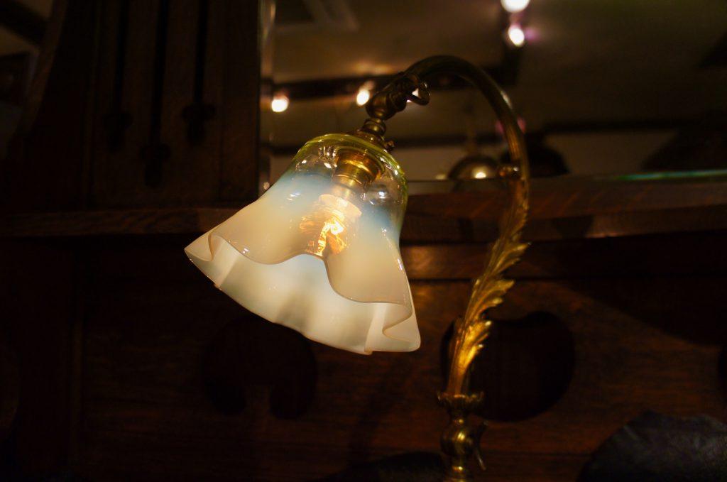 ヴァセリンガラス (NEW) アンティーク ヴァセリンガラス・ランプシェード – 65016|ヴァセリンランプ 西洋・アンティーク家具の専門店「家具のこばやし」- 福島県福島市アンナガーデン
