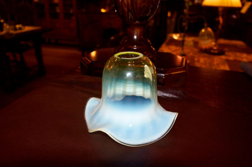 ヴァセリンガラス (NEW)アンティーク ヴァセリンガラス・ランプシェード – 65014|ヴァセリンランプ 西洋・アンティーク家具の専門店「家具のこばやし」- 福島県福島市アンナガーデン