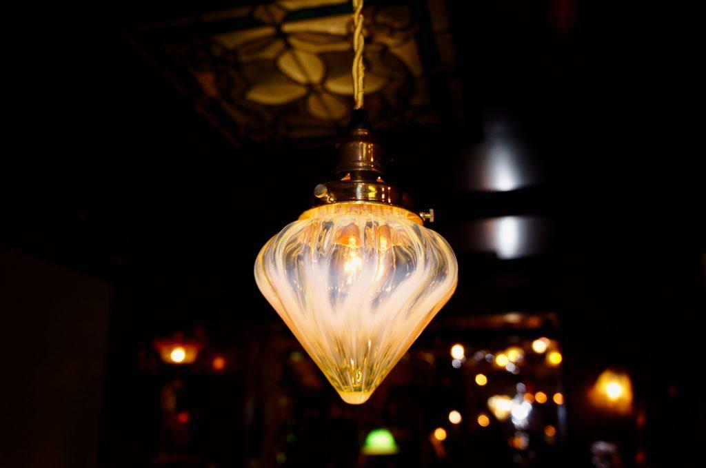 ヴァセリンガラス (NEW) アンティーク ヴァセリンガラス・ランプシェード – 64192|ヴァセリンランプ 西洋・アンティーク家具の専門店「家具のこばやし」- 福島県福島市アンナガーデン