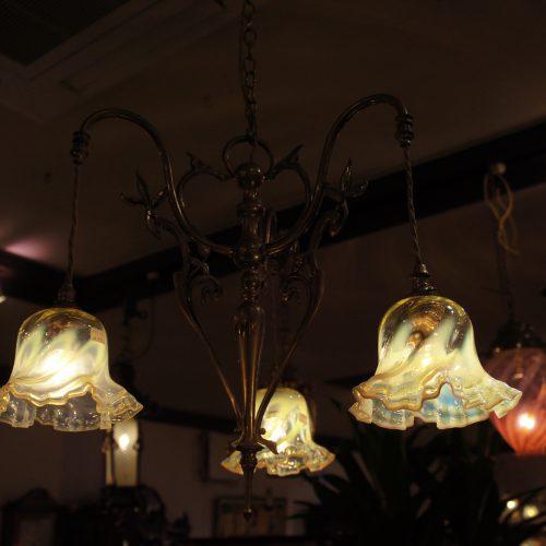 ヴァセリンガラス (NEW) アンティーク ヴァセリンガラス・3灯シャンデリア – 59004+6(New)|ヴァセリンランプ 西洋・アンティーク家具の専門店「家具のこばやし」- 福島県福島市アンナガーデン