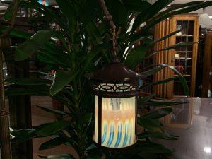 ヴァセリンガラス (NEW) アンティーク ヴァセリンガラス・フロアスタンド(ランタン) – 66077|ヴァセリンランプ 西洋・アンティーク家具の専門店「家具のこばやし」- 福島県福島市アンナガーデン