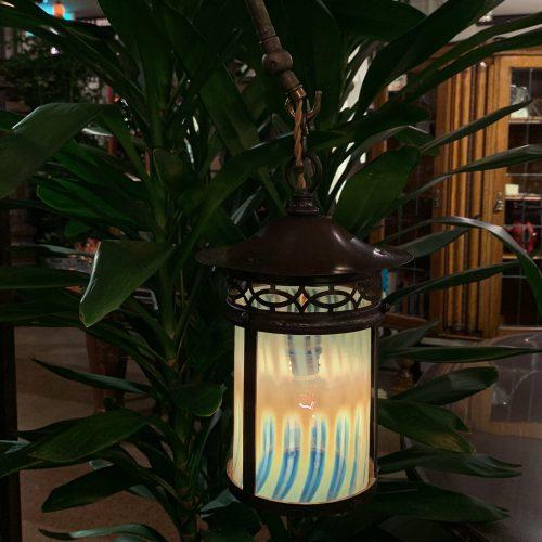 ヴァセリンガラス (NEW) アンティーク ヴァセリンガラス・フロアスタンド(ランタン) – 66077|西洋・アンティーク家具の専門店「家具のこばやし」ヴァセリンガラス・ランプシェード- 福島県福島市アンナガーデン