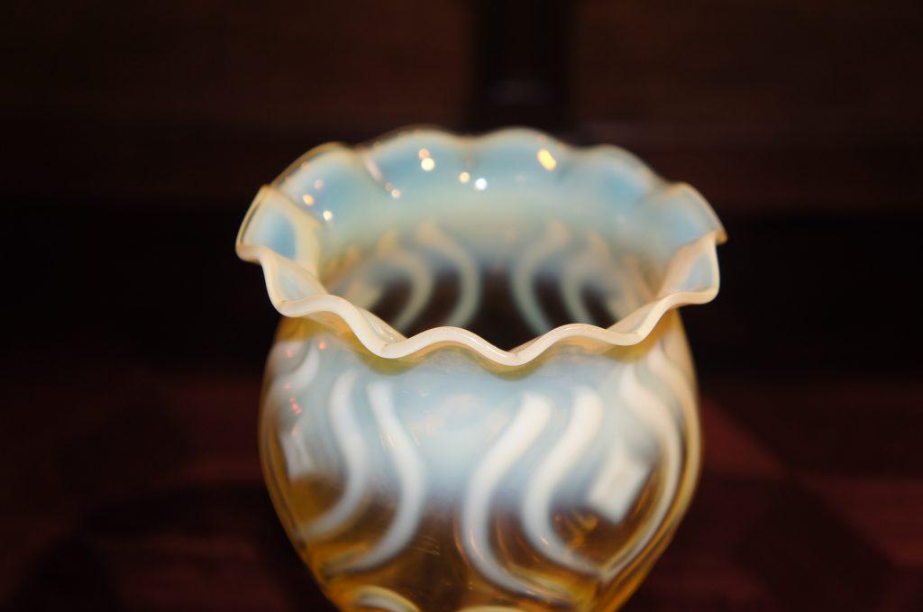 ヴァセリンガラス (NEW) アンティーク ヴァセリンガラス・花瓶 – 60058|ヴァセリンランプ 西洋・アンティーク家具の専門店「家具のこばやし」- 福島県福島市アンナガーデン